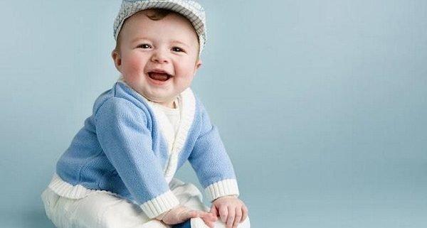 Hãy mua bảo hiểm sức khỏe cho bé